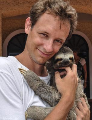 Cartagena, Colombia - City Trip - Hugging a sloth
